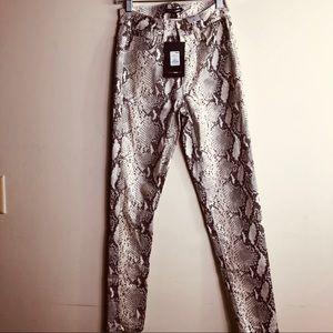 FASHION NOVA NWT Faux leather skinny-leg pants SM